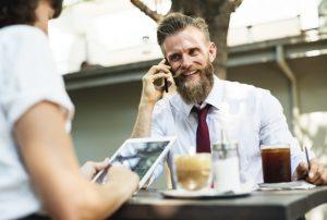 Freelancen in de VS: voor de jongeren een bijbaan, ouderen succesvoller