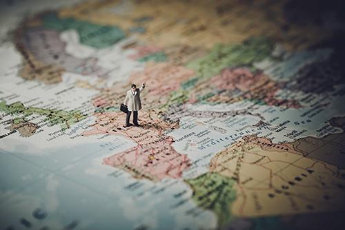 Ondernemen in het buitenland: waar betaal je belastingen en sociale verzekeringen?